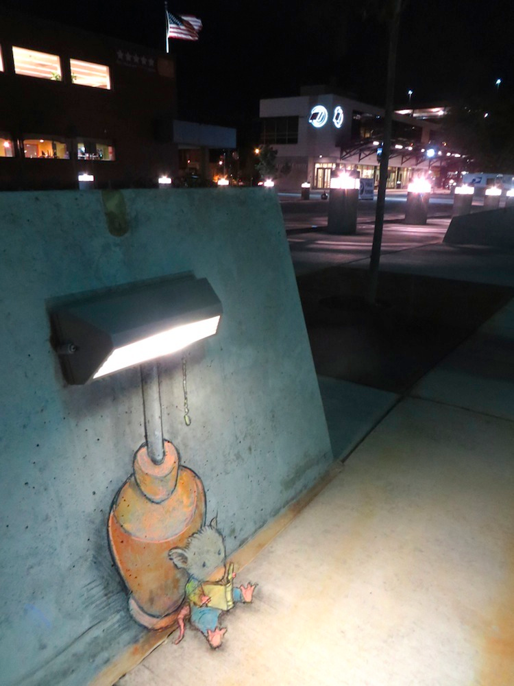 1411712092709_Chalk_and_Charcoal_Art_by_David_Zinn_in_the_Streets_of-_Ann_Arbor_Michigan_2014_15