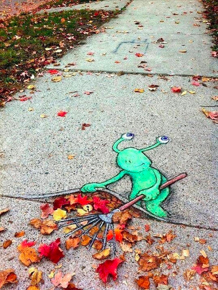 1411712095449_Chalk_and_Charcoal_Art_by_David_Zinn_in_the_Streets_of-_Ann_Arbor_Michigan_2014_09