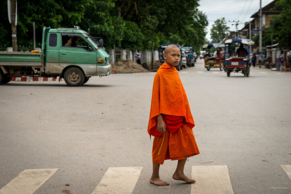 laos-child-monk