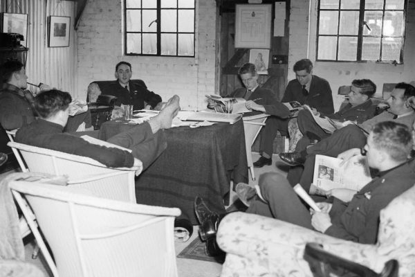 Book clubs and the Blitz: how WWII Britons kept calm and got reading